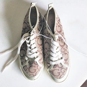 New! Guess brown & tan canvas signature sneakers